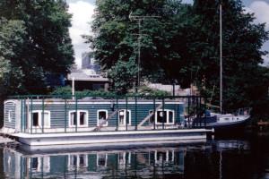 2004-Tentoonstelling-Woonboten,-geopend-door-Joke-Peppels
