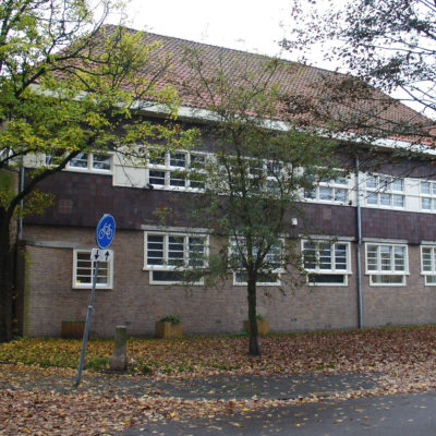 School in verstrakte Amsterdamse School-stijl, Kometensingel 189 (1929)